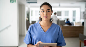 5 Signs You Should Switch to a Nursing Career